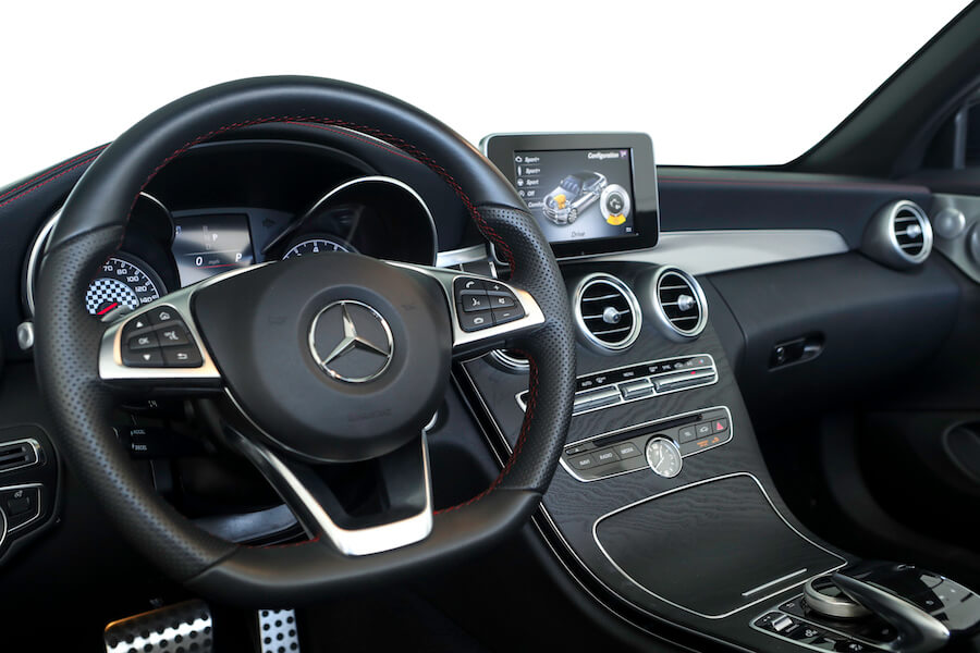 Mercedes AMG C43 Cabriolet af Falcon Car Rental