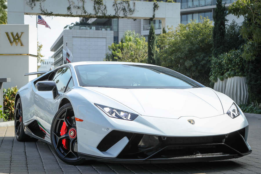 White Lamborghini Huracan Performante